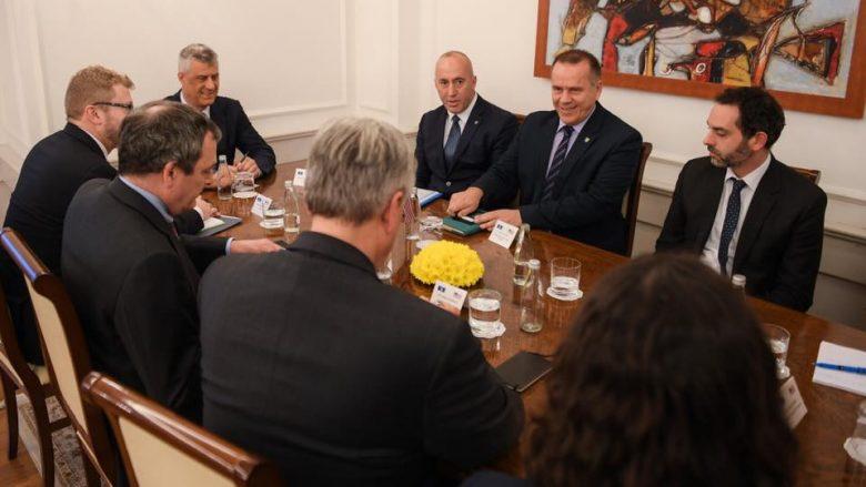 Haradinaj pas takimit me zyrtarët amerikanë: Marrëveshja me Serbinë, vetëm në kufijtë aktualë