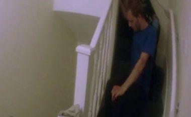 """Ishte keqtrajtuar aq keq, policia e gjeti """"pak ditë larg nga vdekja"""" – dokumentar i BBC rreth abuzimit të një djaloshi nga e dashura e tij (Foto/Video)"""