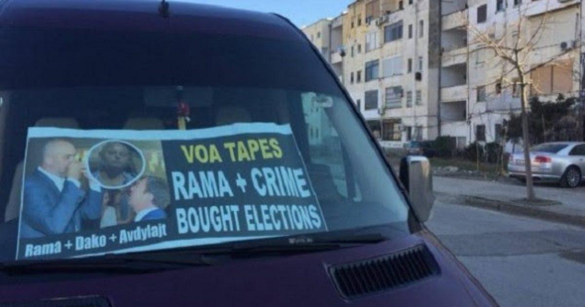 Protestuesit e opozitës nisen nga rrethet drejt protestës në Tiranë