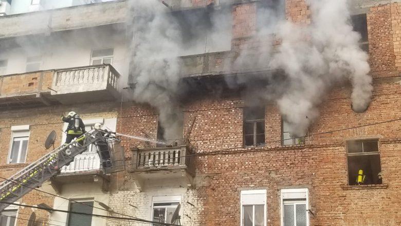 Zjarr në një pallat në Durrës, plagoset e moshuara