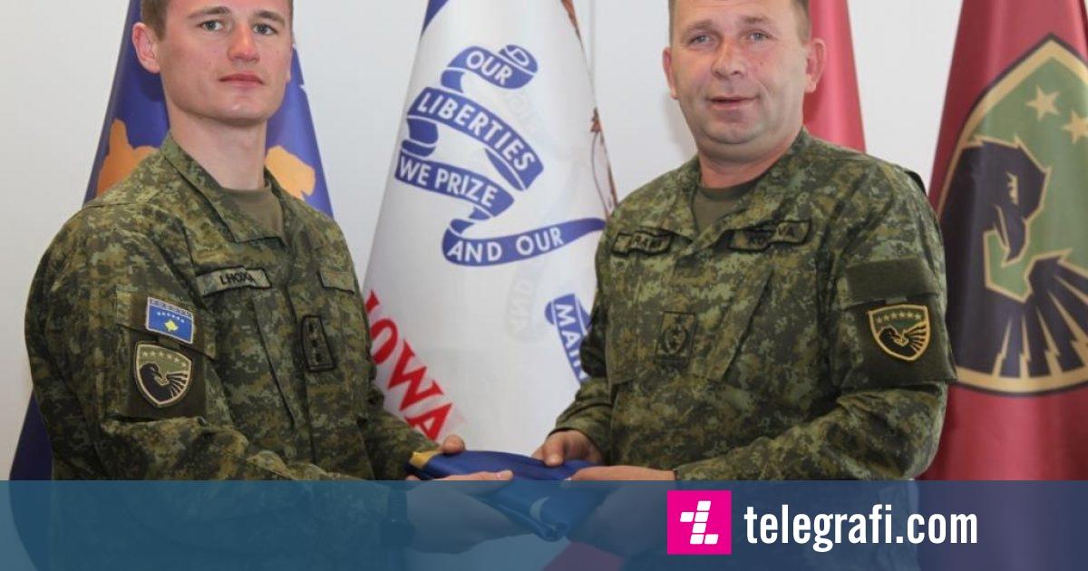 """Oficeri i FSK-së përzgjidhet instruktor në Akademinë Ushtarake Mbretërore """"Sundhurst"""""""