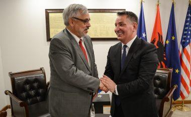 Lekaj takohet me ambasadorin zviceran, thotë se deklarata e tij është keqkuptuar