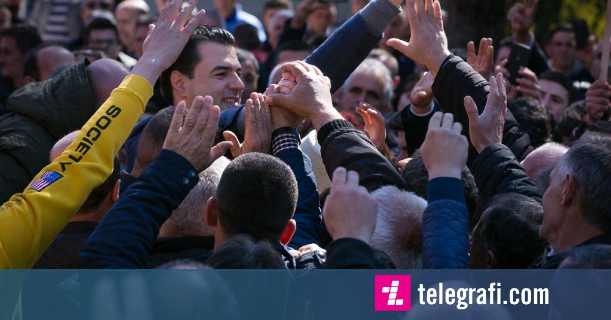 Basha fton dibranët në protestën e opozitës më 16 mars në Tiranë