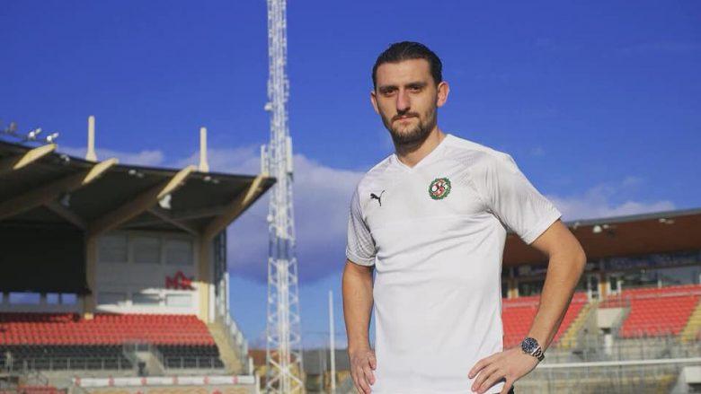Agon Mehmeti në preznatimin e tij te Orebro (Foto: OSK Football)
