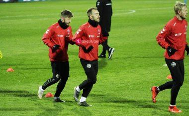 Danimarka stërvitet në stadiumin 'Fadil Vokrri', sytë kah Eriksen e yjet e tjerë
