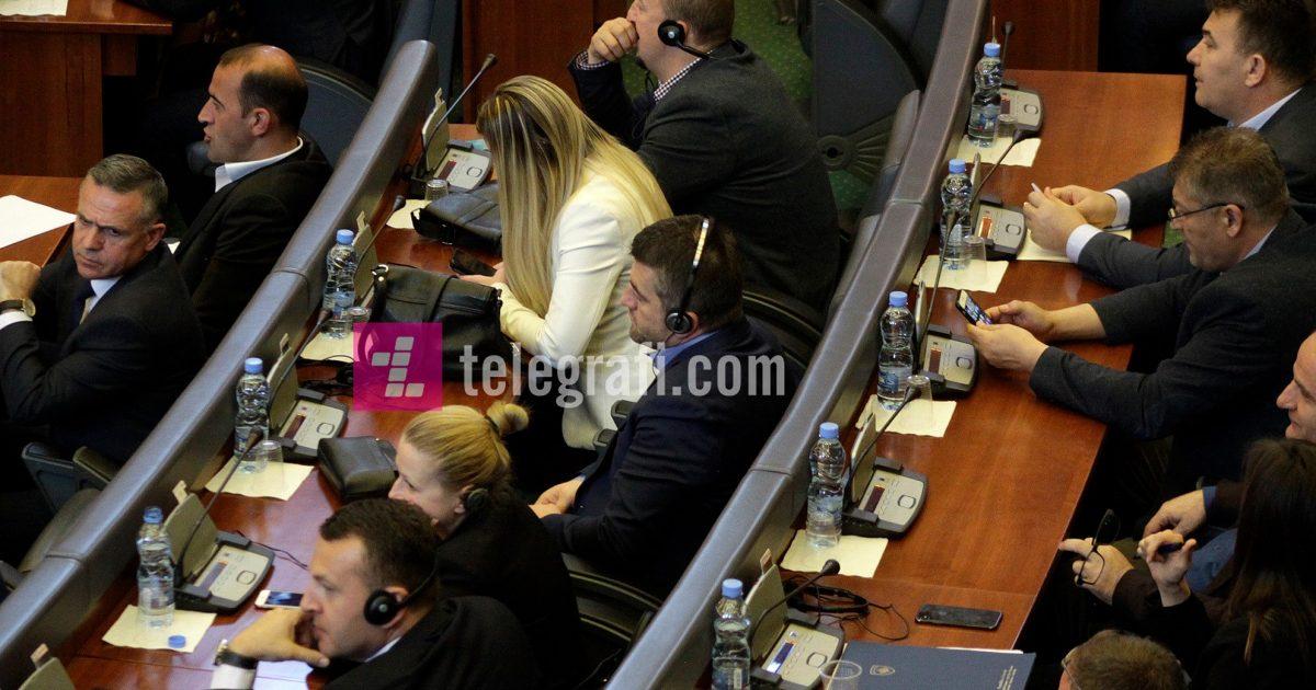 Lista Serbe u kthye në Kuvend vetëm sa për të mos humbur mandatet