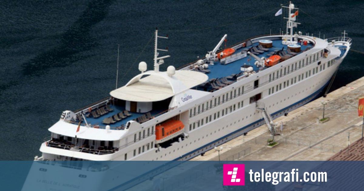 """""""Bukuroshja e Adriatikut"""" ankoron para kohe në Durrës"""