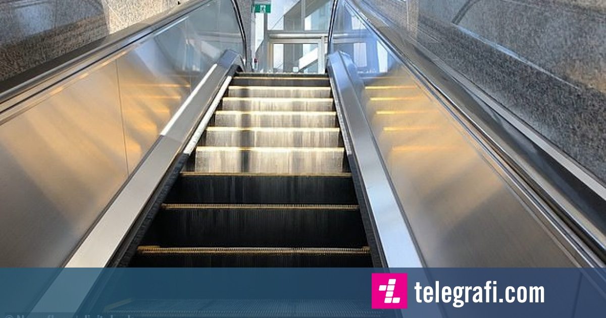 Drita që binte në shkallët lëvizëse, shkaktonte iluzionin optik sikur të jetë duke rrëshqitur (Video)