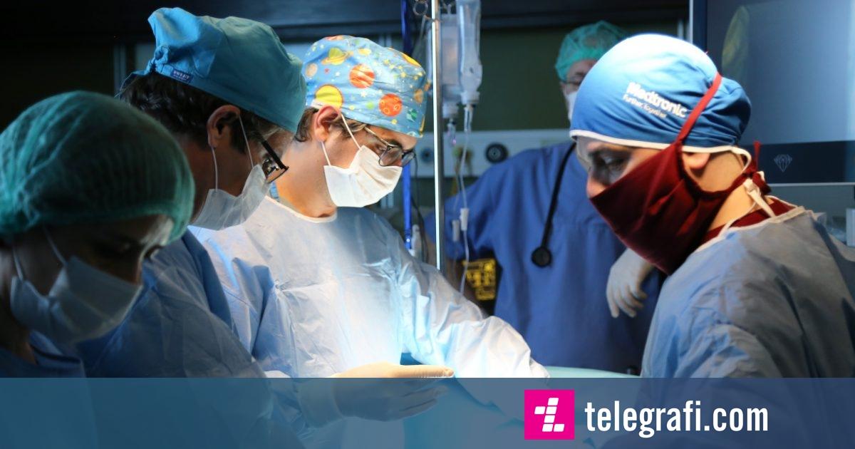 QKUK: Në Kirurgjinë Torakale një profesor i huaj po aplikon një metodë të re të operacioneve