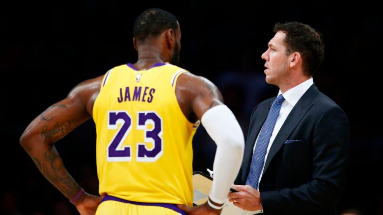 LeBron James dhe Luke Walton (Foto: Yong Teck Lim/Getty Images/Guliver)