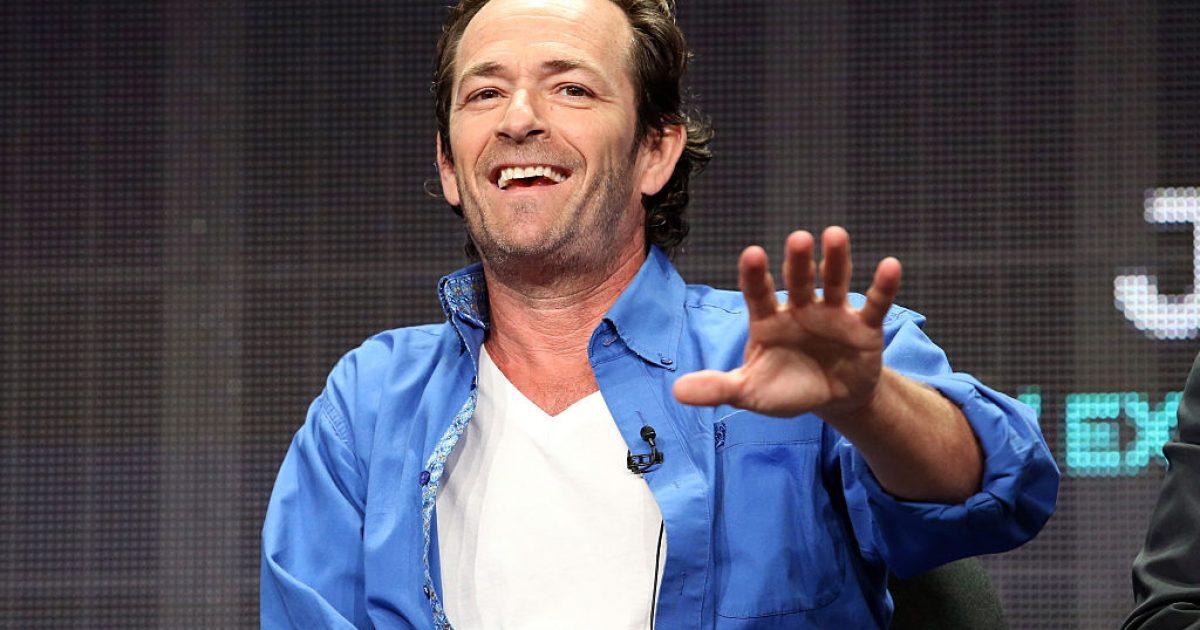 Mësohet arsyeja e shtrirjes në spital të Luke Perryt, aktori ka pësuar goditje në tru