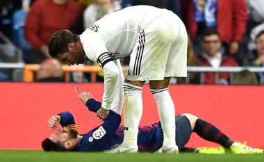 Barça e mbyll pjesën e parë me epërsi, ndërsa Messi i shtrirë në tokë nga goditja e Ramosit në fytyrë