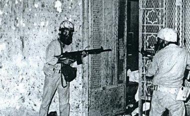 """Historia e """"pushtimit"""" të Xhamisë së Madhe në Mekë - si forcat speciale franceze """"çliruan"""" vendin e shenjtë të myslimanëve"""