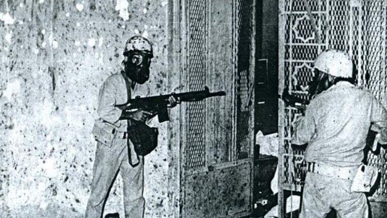 """Historia e """"pushtimit"""" të Xhamisë së Madhe në Mekë – si forcat speciale franceze """"çliruan"""" vendin e shenjtë të myslimanëve"""