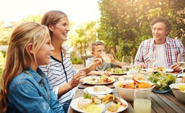 Vaktet familjare të ngrënies: rëndësia e të ngrënit së bashku