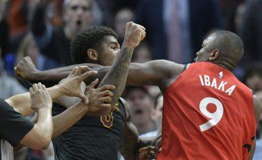 Grushte në NBA: Ibaka e Chriss qërojnë hesapet mes tyre