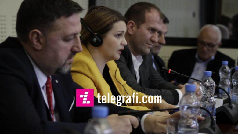 Raportimi i ministrës së MBPZH-së, Dijana Zivic para Komisionit për Bujqësi | Foto: Ridvan Slivova/Telegrafi