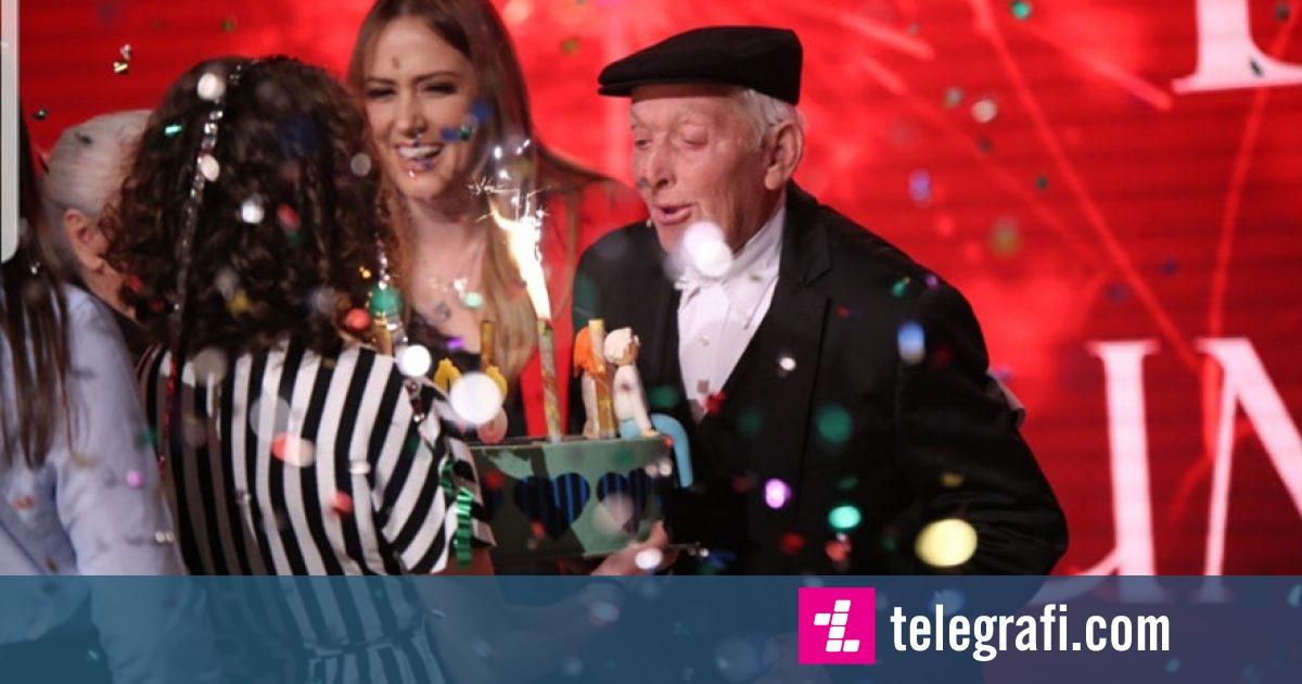 Të martuar prej 60 vitesh, çifti tregon se dashuria nuk njeh moshë (Video)