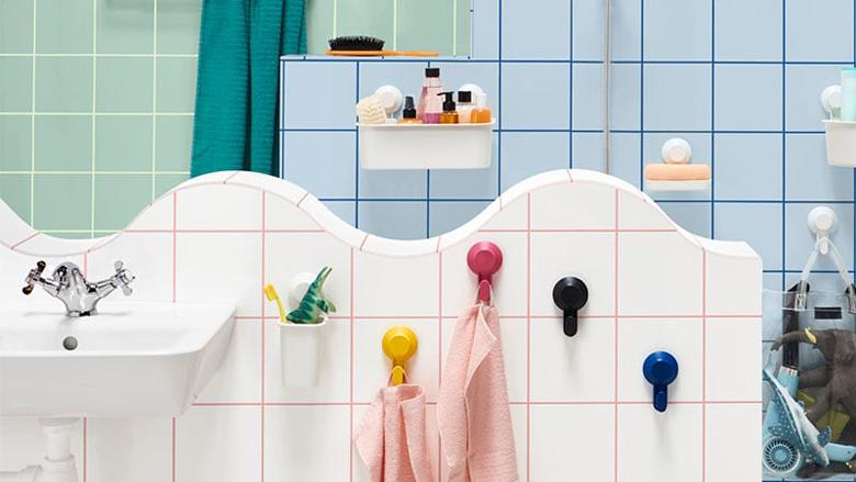 Nga furça e dhëmbëve tek telefoni: Gjërat që nuk duhet t'i mbani në banjë