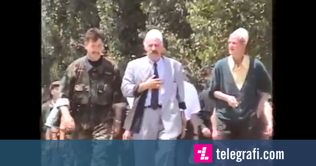 Video e rrallë, momenti kur Rifati dhe burrat e tjerë të Jasharajve u rikthyen nga mërgimi në Kosovë dy javë pas çlirimit  (Video)