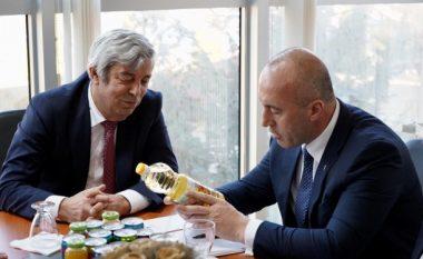 Pronari i vajit Floil: Pas vendosjes së taksës është rritur prodhimi dhe punësimi