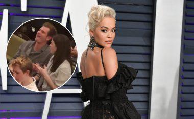 """Pas ndarjes nga Rita Ora, aktori i """"Spider Man"""" Andrew Garfield argëtohet në shoqëri të Aisling Beas"""