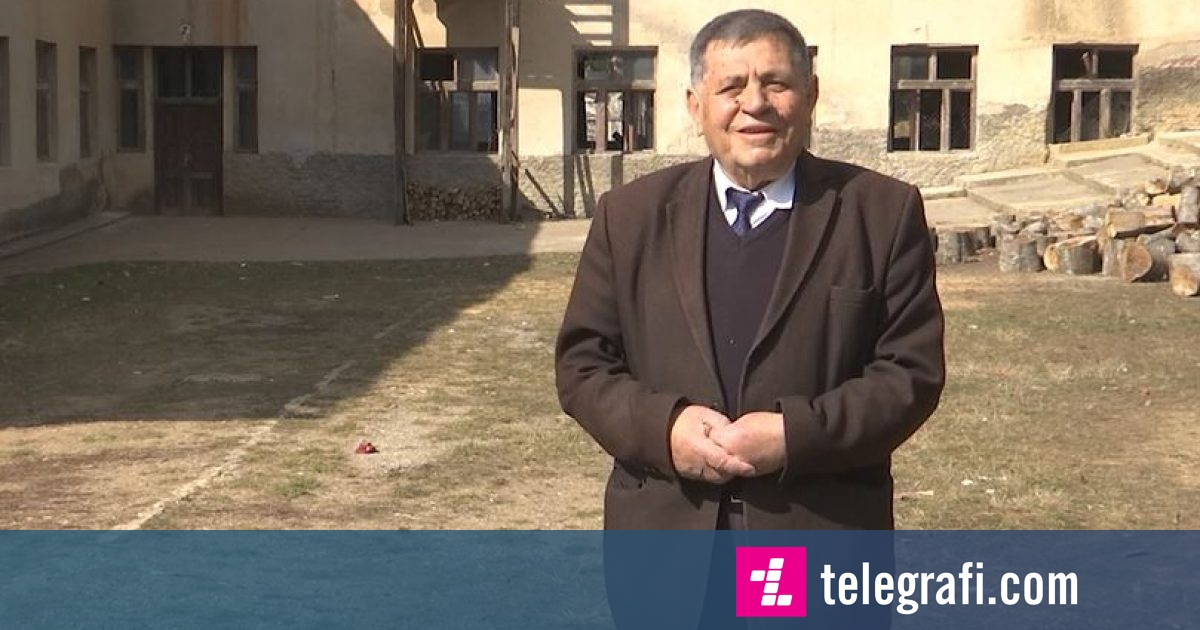 Mësues që në moshën 16 vjeçare, Mehdi Kadriu rrëfen eksperiencën e tij me ditarë në dorë (Video)