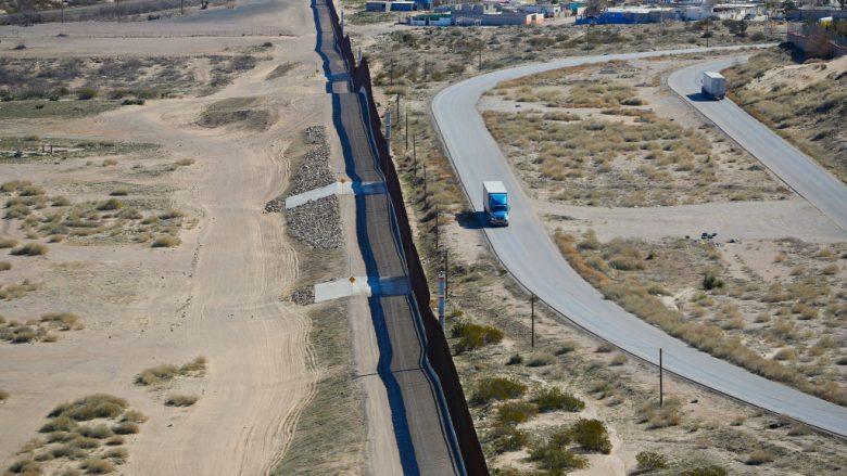 Kufiri SHBA-Meksikë | Foto: Pablo Martinez Monsivais-Pool/Getty Images/Guliver