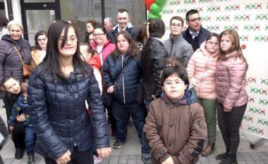 """Shoqata """"Down Syndrome Kosova"""" shënon 21 marsin me hapësira të reja (Video)"""