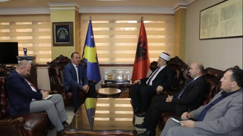 Mustafa takon përfaqësuesit e bashkësive fetare, flasin për sigurinë