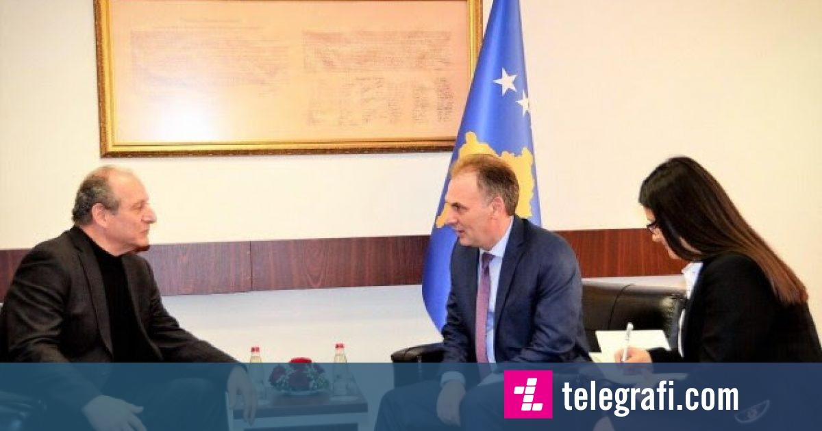 Limaj takon ekspertin e njohur amerikan, flasin për dialogun Kosovë-Serbi