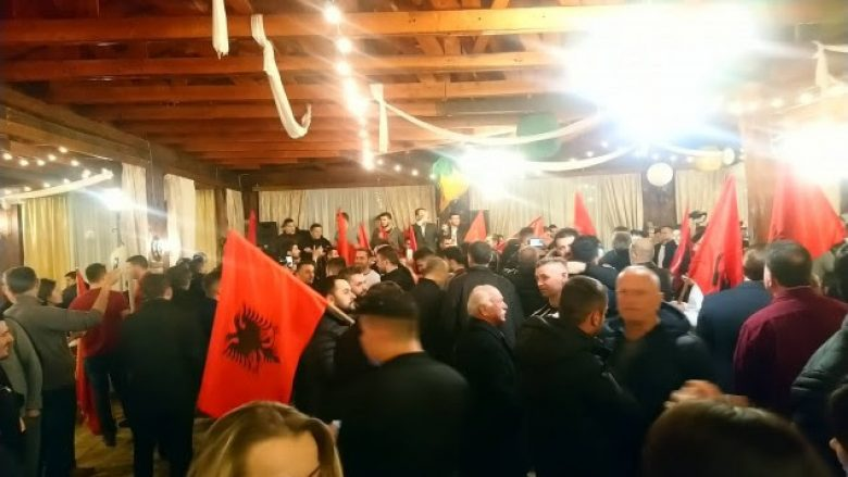 Shqiptarët nisin kremtimin e fitores në Tuz