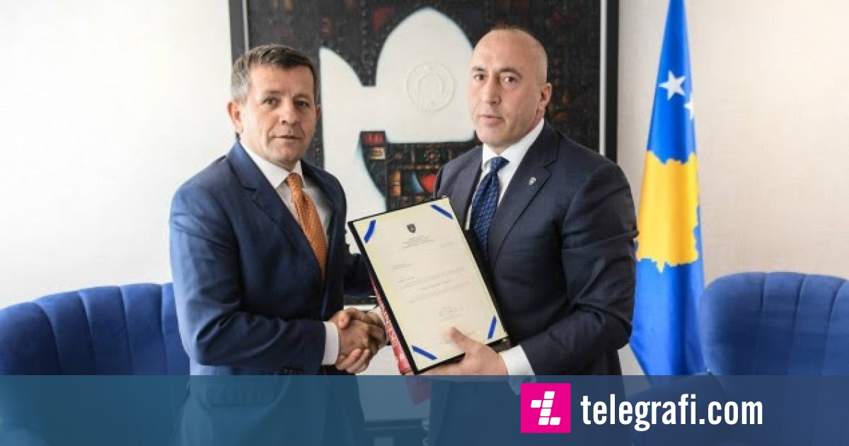 Haradinaj i dorëzon Remit medaljen 'Gjergj Kastrioti-Skënderbeu'