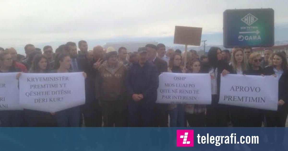Protestohet për të tretën herë për asfaltimin e një rruge në katër fshatra të Ferizajt