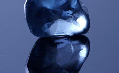 Gjendet diamanti me ngjyrë të kaltër, mund të jetë më i shtrenjti në botë (Foto)