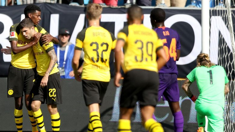Alexander Isak dhe Christian Pulisic. (Foto: Bob Leverone/Getty Images/Guliver)