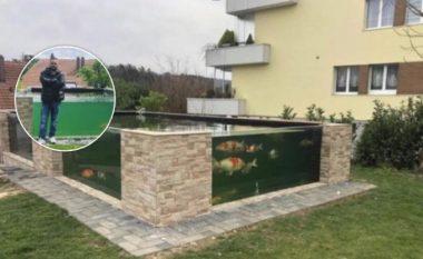 Shqiptari bëhet hit në mediat zvicerane: Ndërtoi pishinë për peshqit në oborrin e tij, vetëm njëri prej tyre kushton deri në 20 mijë franga (Foto/Video)