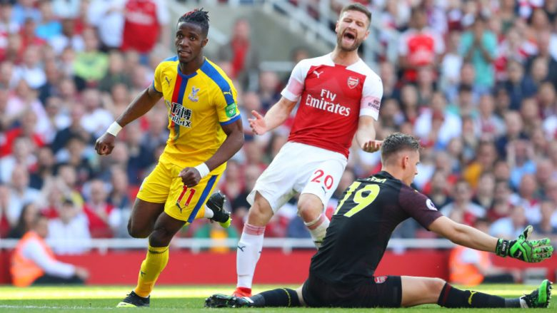 Reagoi i Mustafit kur Wilfried Zaha i shënoi gol Arsenalit (Foto: Warren Little/Getty Images/Guliver)