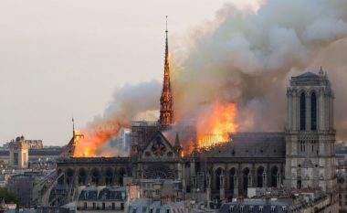 Miliarderi francez ofron 100 milionë euro për të rindërtuar Katedralen e Notre Dame në Paris (Foto)