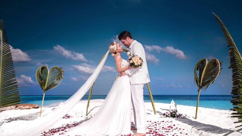 Pamje nga martesa e Alban Skënderajt me Miriam Canin (Foto: Alban Skënderaj/Instagram)