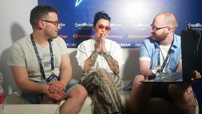 Jonida Maliqi gjatë intervistës (Foto: Exctra)
