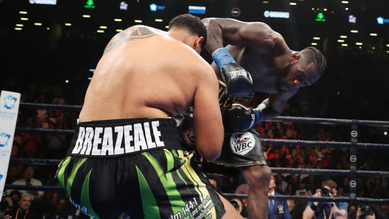 Deontay Wilder nokauton Dominic Breazealen (Foto: Al Bello/Getty Images/Guliver)