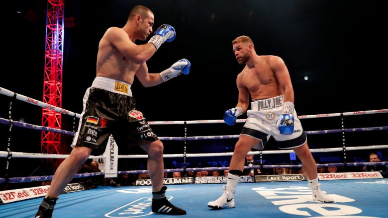 Shefat Isufi në duel me Billy Joe Saunders (Foto: Luke Walker/Getty Images/Guliver)