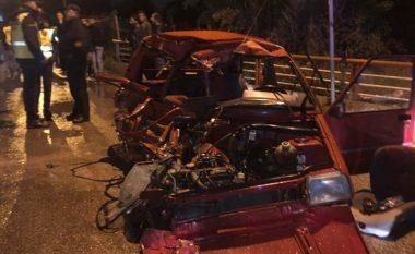 Video e tmerrshme nga aksidenti ku humbën jetë pesë persona në Shkup (Video)