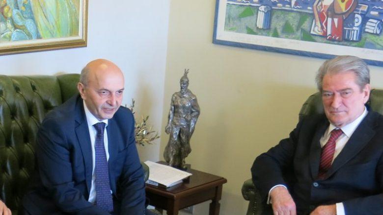 Mustafa kundër Thaçit: Sali Berisha ishte dhe do mbetet monument i Pavarësisë së Kosovës
