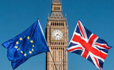 Parlamenti britanik voton për shtyrjen e Brexit, reagon BE