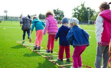 Aq më pak që luajnë fëmijët, aq më shumë kanë shanse të kenë çrregullime mendore