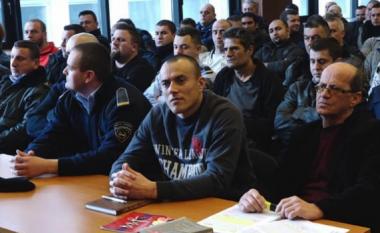 Të dënuarit e Grupit të Kumanovës në seancë: Fol shqip, këtu është Shqipëri (Foto/Video)