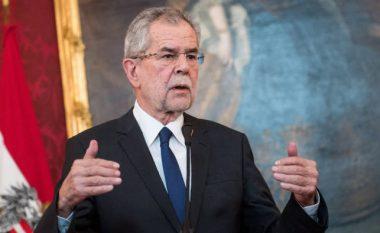 Presidenti i Austrisë cakton datën e zgjedhjeve në shtator pas skandalit të korrupsionit