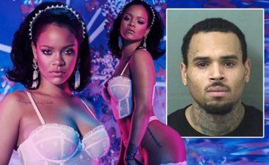 """Një dekadë pas rrahjes brutale, Chris Brown i komenton Rihannës duke e quajtur """"mbretëreshë"""" në Instagram"""